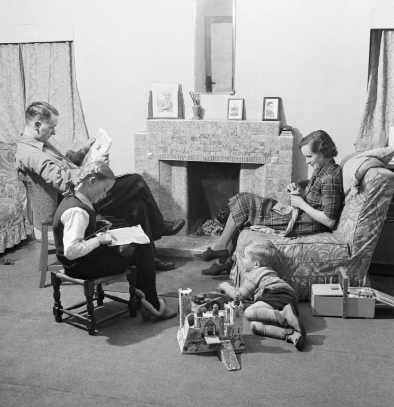 Fireman's_Family-_Everyday_Life_in_Wartime_London,_1942_D12058